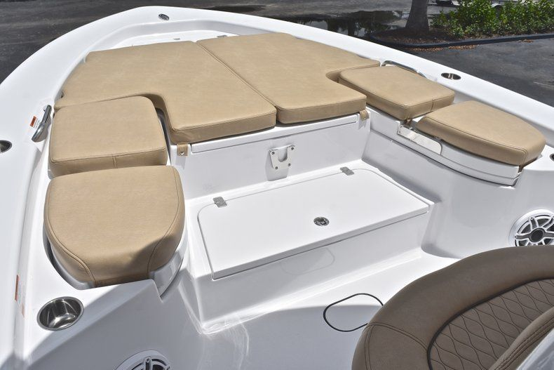 Thumbnail 69 for New 2019 Sportsman Masters 267 Bay Boat boat for sale in Miami, FL