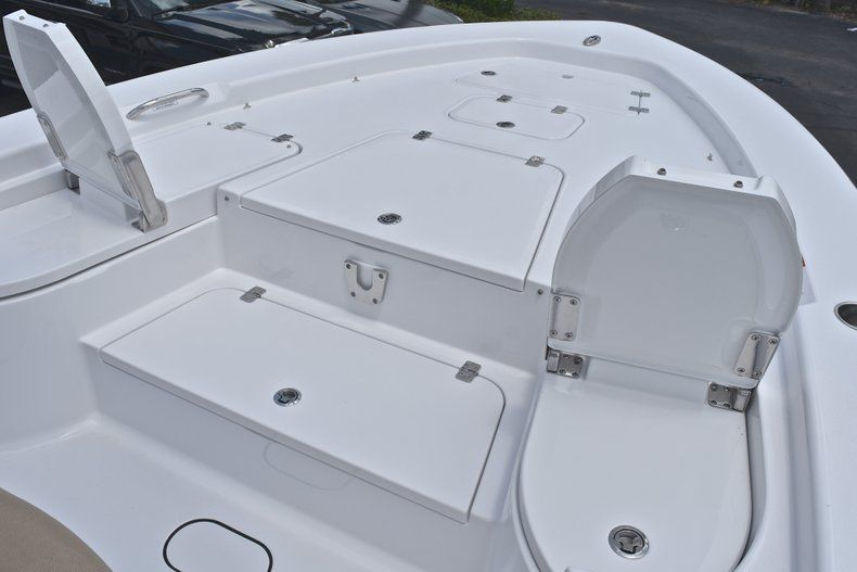 Thumbnail 63 for New 2019 Sportsman Masters 267 Bay Boat boat for sale in Miami, FL