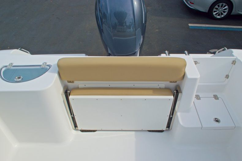 Thumbnail 14 for New 2017 Sportsman Open 232 Center Console boat for sale in Miami, FL