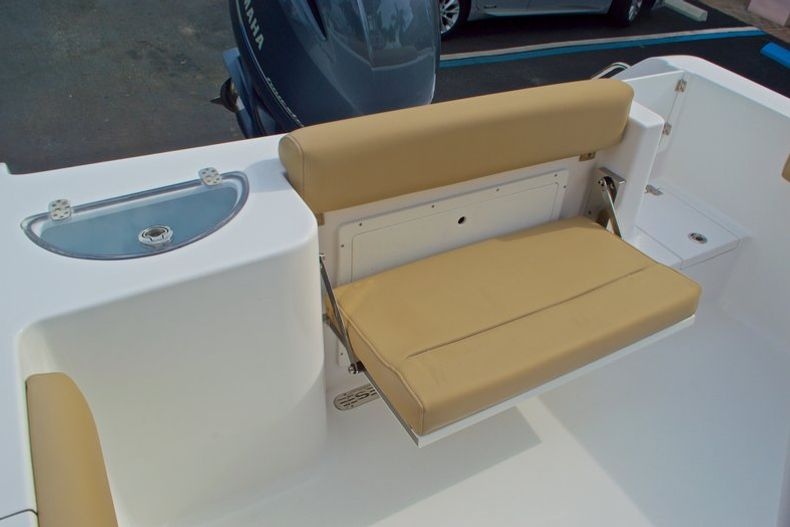 Thumbnail 15 for New 2017 Sportsman Open 232 Center Console boat for sale in Miami, FL
