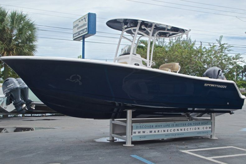 Thumbnail 5 for New 2017 Sportsman Open 232 Center Console boat for sale in Miami, FL