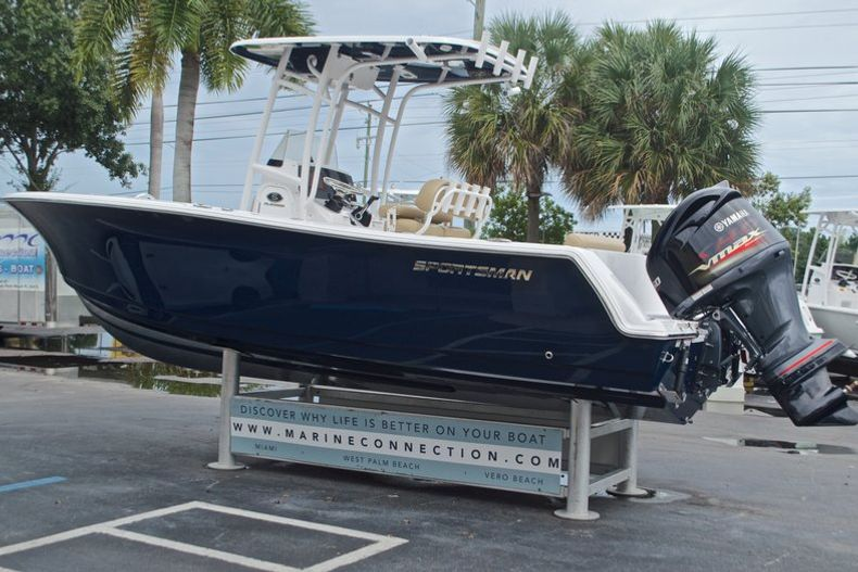 Thumbnail 7 for New 2017 Sportsman Open 232 Center Console boat for sale in Miami, FL