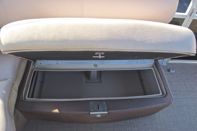 Thumbnail 26 for Used 2014 Regency Party Barge 254 XP3 boat for sale in West Palm Beach, FL