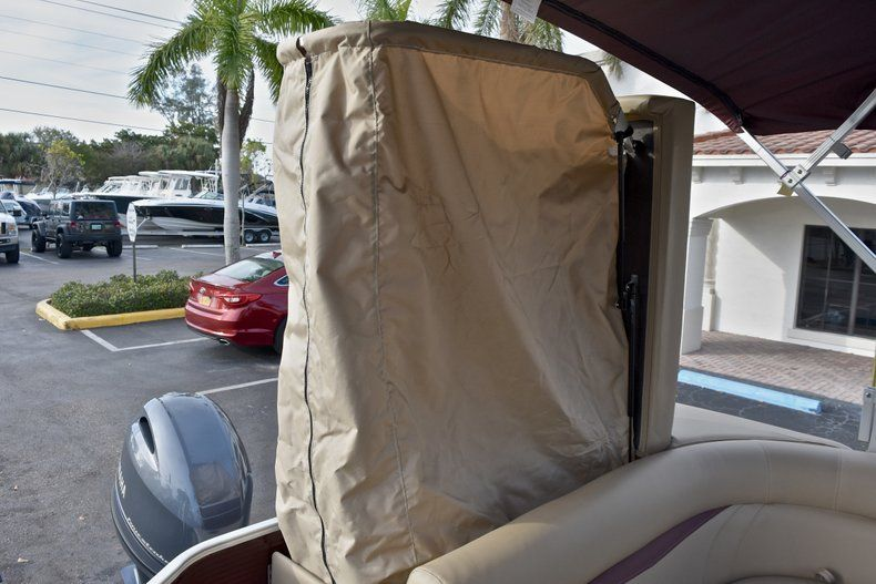 Thumbnail 14 for New 2018 Sweetwater 2086 Cruise boat for sale in West Palm Beach, FL