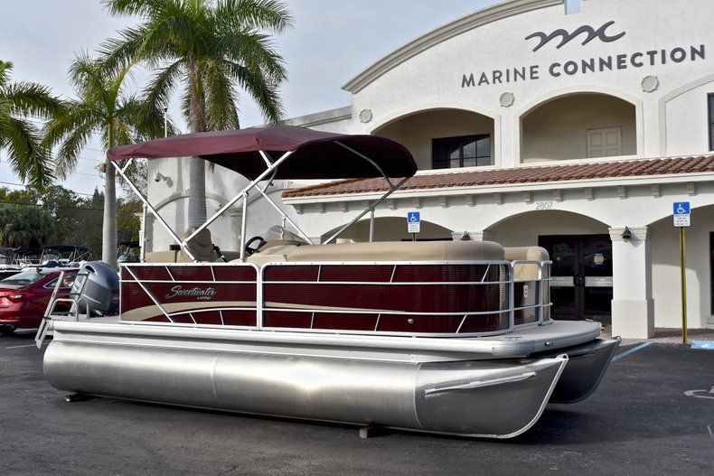 Thumbnail 1 for New 2018 Sweetwater 2086 Cruise boat for sale in West Palm Beach, FL