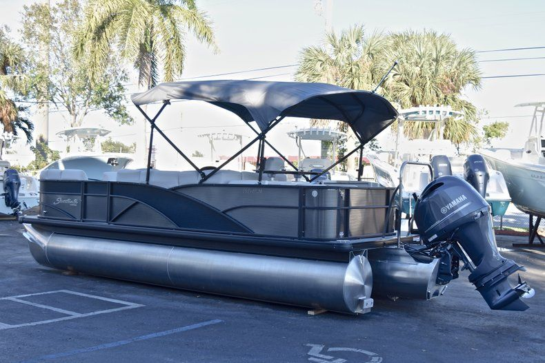 Thumbnail 5 for New 2018 Sweetwater Premium 235 Wet Bar boat for sale in West Palm Beach, FL