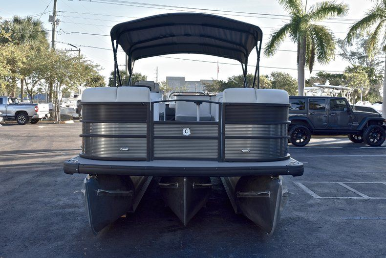 Thumbnail 2 for New 2018 Sweetwater Premium 235 Wet Bar boat for sale in West Palm Beach, FL