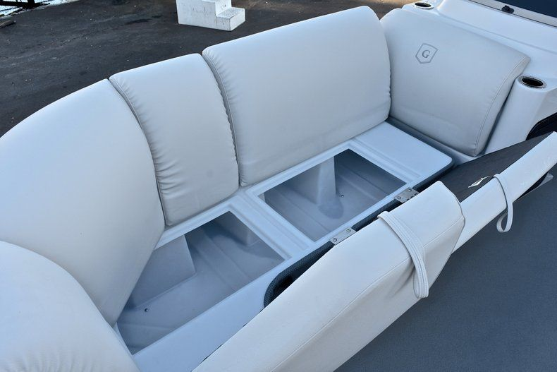 Thumbnail 39 for New 2018 Sweetwater Premium 235 Wet Bar boat for sale in West Palm Beach, FL