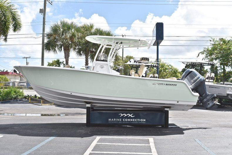 Thumbnail 5 for New 2019 Sportsman Heritage 241 Center Console boat for sale in Miami, FL