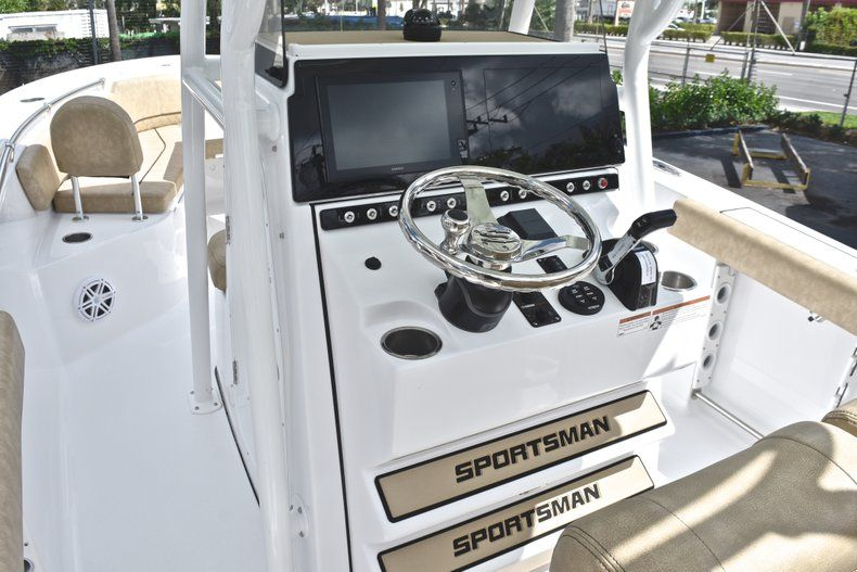 Thumbnail 34 for New 2019 Sportsman Heritage 241 Center Console boat for sale in Miami, FL