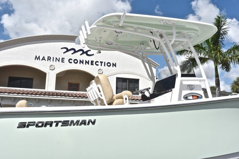 Thumbnail 9 for New 2019 Sportsman Heritage 241 Center Console boat for sale in Miami, FL