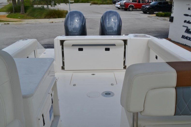 Thumbnail 15 for New 2019 Cobia 280 DC boat for sale in West Palm Beach, FL