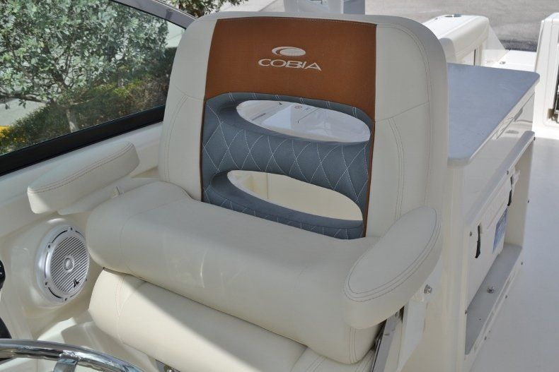 Thumbnail 13 for New 2019 Cobia 280 DC boat for sale in West Palm Beach, FL