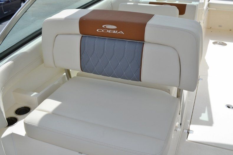 Thumbnail 19 for New 2019 Cobia 280 DC boat for sale in West Palm Beach, FL