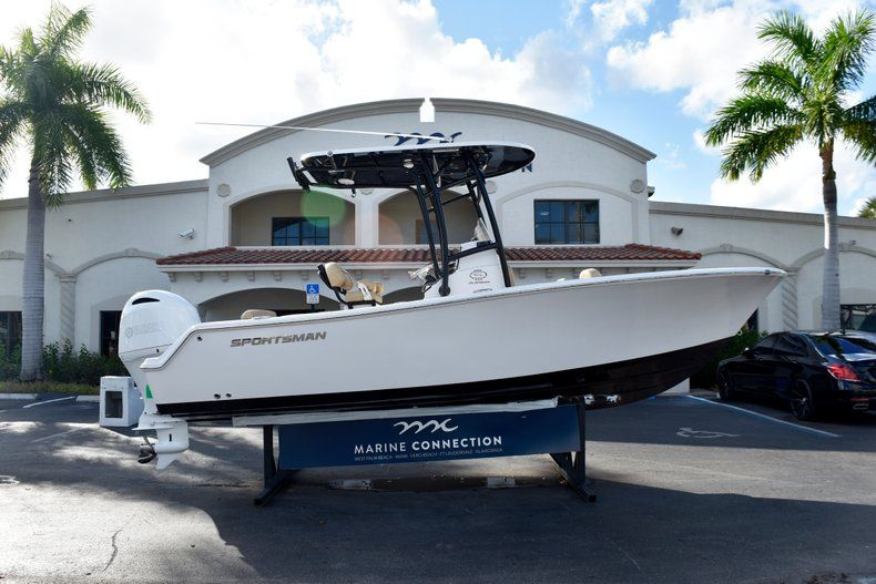 Thumbnail 0 for New 2019 Sportsman Open 212 Center Console boat for sale in Miami, FL