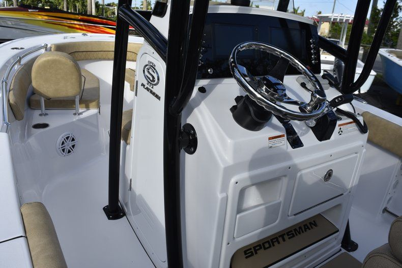 Thumbnail 40 for New 2019 Sportsman Open 212 Center Console boat for sale in Miami, FL