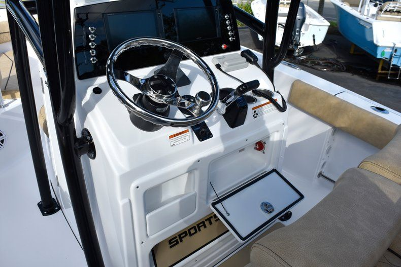 Thumbnail 41 for New 2019 Sportsman Open 212 Center Console boat for sale in Miami, FL
