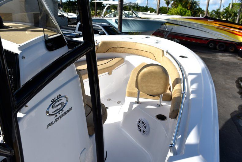 Thumbnail 42 for New 2019 Sportsman Open 212 Center Console boat for sale in Miami, FL