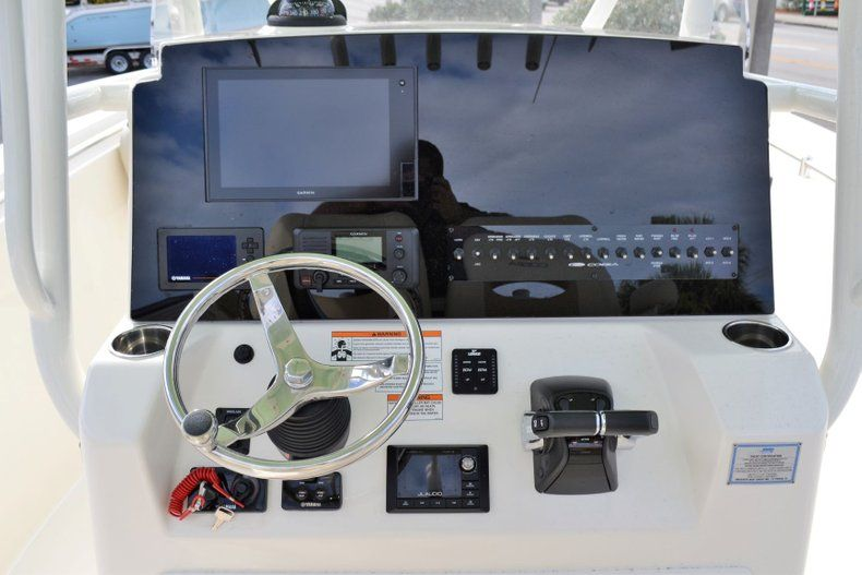 Thumbnail 7 for New 2019 Cobia 277 Center Console boat for sale in Vero Beach, FL