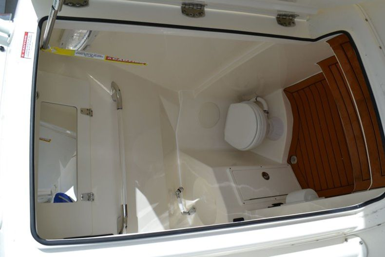 Thumbnail 11 for New 2019 Cobia 277 Center Console boat for sale in Vero Beach, FL