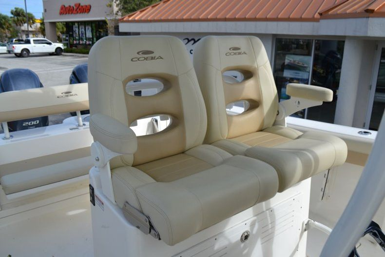 Thumbnail 15 for New 2019 Cobia 277 Center Console boat for sale in Vero Beach, FL