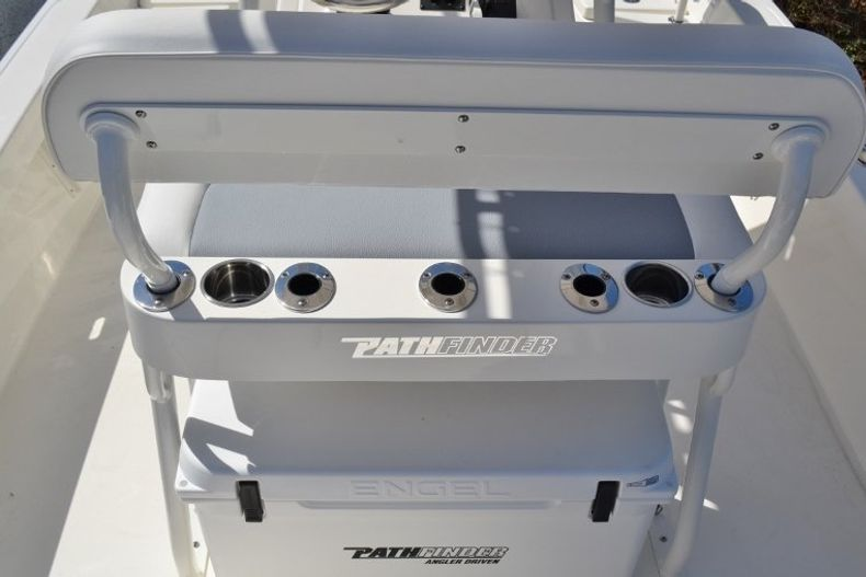 Thumbnail 10 for New 2019 Pathfinder 2200 TRS Bay Boat boat for sale in Vero Beach, FL