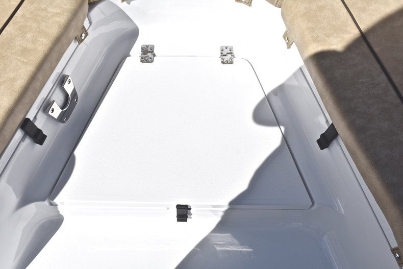 Thumbnail 57 for New 2019 Sportsman Heritage 231 Center Console boat for sale in West Palm Beach, FL