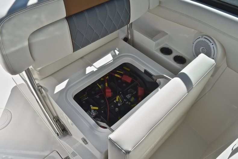 Thumbnail 28 for New 2019 Cobia 280 DC Dual Console boat for sale in West Palm Beach, FL