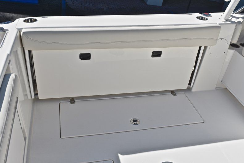 Thumbnail 21 for New 2019 Cobia 280 DC Dual Console boat for sale in West Palm Beach, FL
