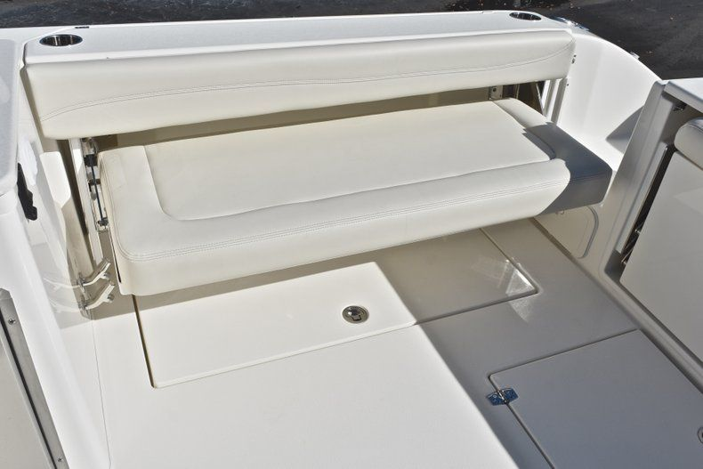 Thumbnail 18 for New 2019 Cobia 280 DC Dual Console boat for sale in West Palm Beach, FL