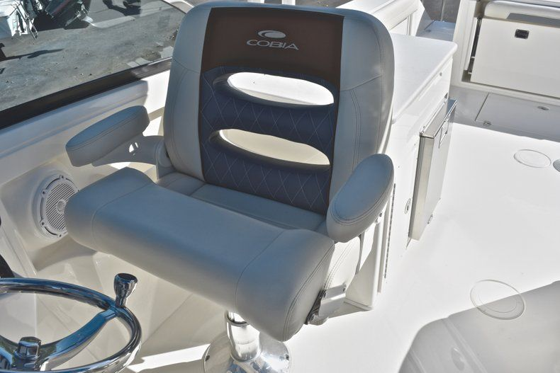 Thumbnail 37 for New 2019 Cobia 280 DC Dual Console boat for sale in West Palm Beach, FL