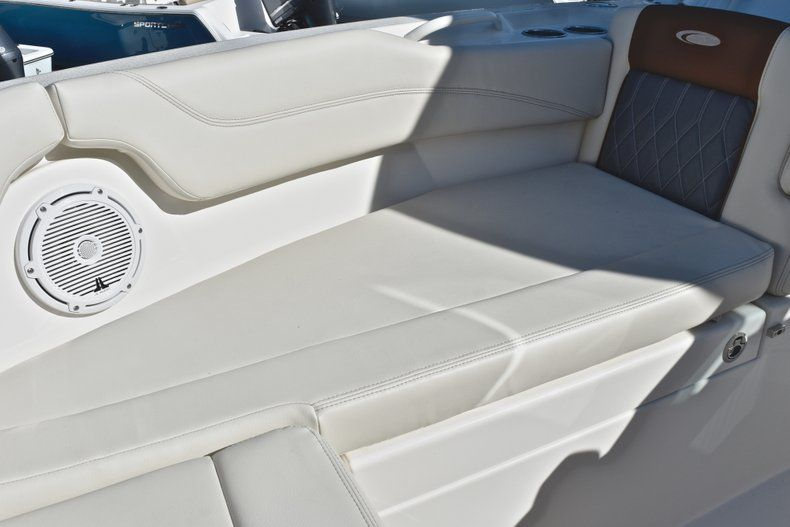 Thumbnail 64 for New 2019 Cobia 280 DC Dual Console boat for sale in West Palm Beach, FL