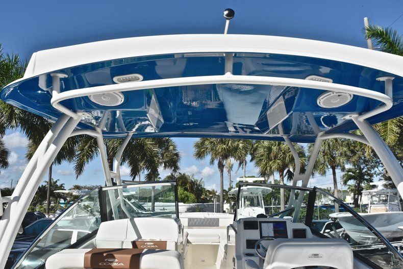 Thumbnail 40 for New 2019 Cobia 280 DC Dual Console boat for sale in West Palm Beach, FL