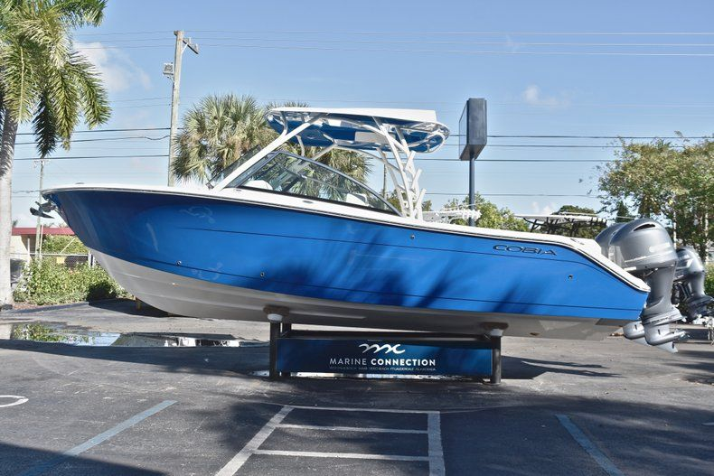 Thumbnail 5 for New 2019 Cobia 280 DC Dual Console boat for sale in West Palm Beach, FL