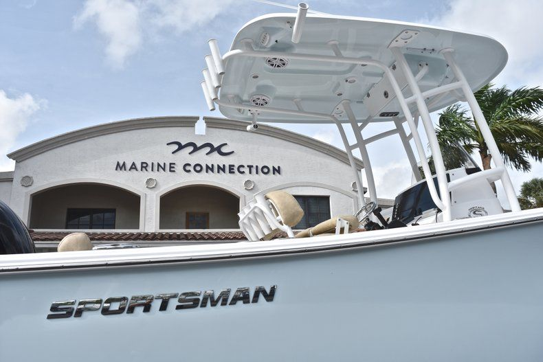 Thumbnail 8 for New 2019 Sportsman Heritage 231 Center Console boat for sale in Fort Lauderdale, FL