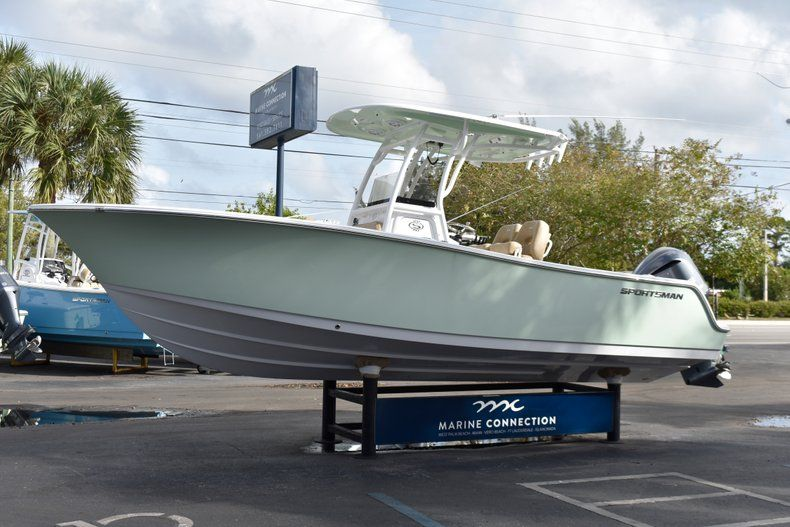 Thumbnail 3 for New 2019 Sportsman Open 242 Center Console boat for sale in West Palm Beach, FL