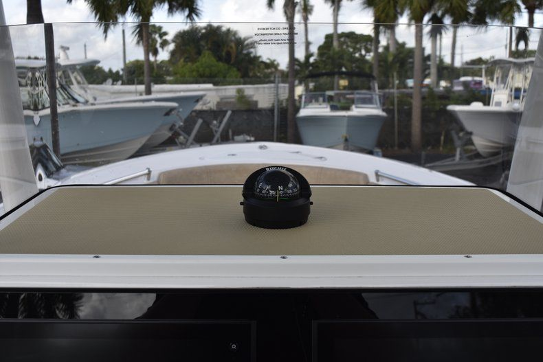 Thumbnail 29 for New 2019 Sportsman Open 242 Center Console boat for sale in West Palm Beach, FL