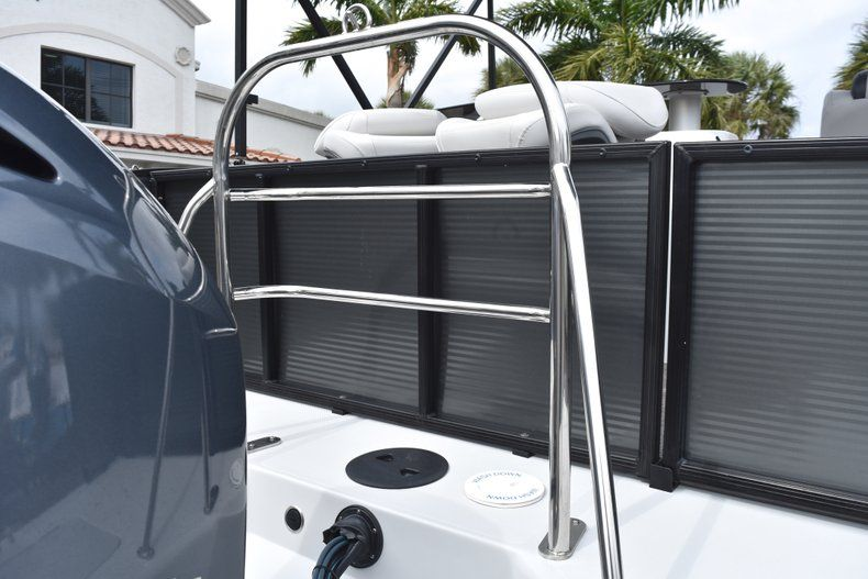 Thumbnail 10 for New 2019 Hurricane FunDeck FD 236 Wet Bar OB boat for sale in West Palm Beach, FL