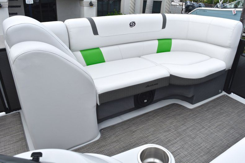 Thumbnail 41 for New 2019 Hurricane FunDeck FD 236 Wet Bar OB boat for sale in West Palm Beach, FL