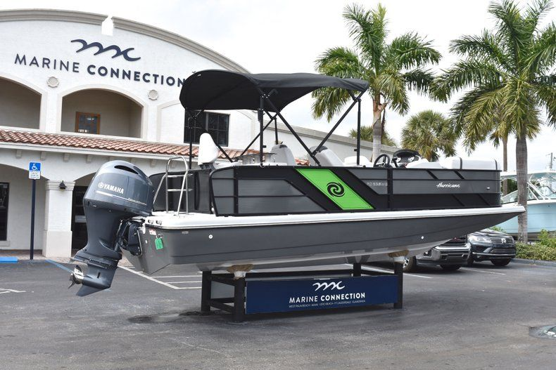 Thumbnail 7 for New 2019 Hurricane FunDeck FD 236 Wet Bar OB boat for sale in West Palm Beach, FL