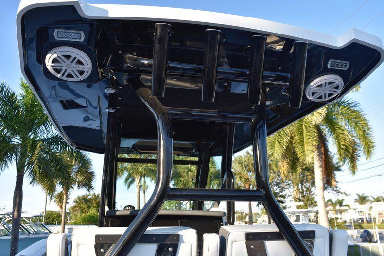 Thumbnail 52 for New 2019 Blackfin 272CC Center Console boat for sale in West Palm Beach, FL