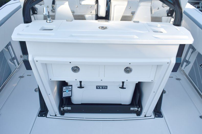 Thumbnail 25 for New 2019 Blackfin 272CC Center Console boat for sale in West Palm Beach, FL