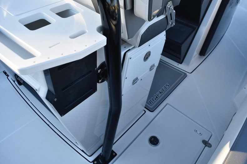 Thumbnail 34 for New 2019 Blackfin 272CC Center Console boat for sale in West Palm Beach, FL