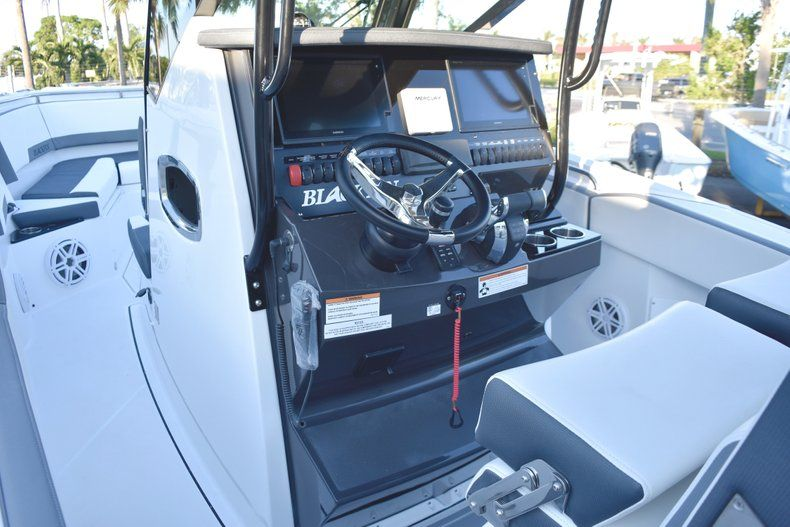 Thumbnail 38 for New 2019 Blackfin 272CC Center Console boat for sale in West Palm Beach, FL