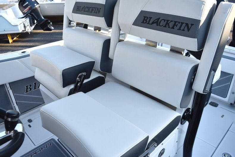 Thumbnail 37 for New 2019 Blackfin 272CC Center Console boat for sale in West Palm Beach, FL