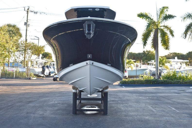 Thumbnail 2 for New 2019 Blackfin 272CC Center Console boat for sale in West Palm Beach, FL