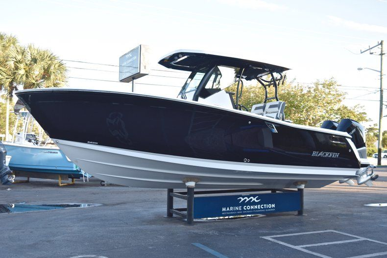 Thumbnail 3 for New 2019 Blackfin 272CC Center Console boat for sale in West Palm Beach, FL