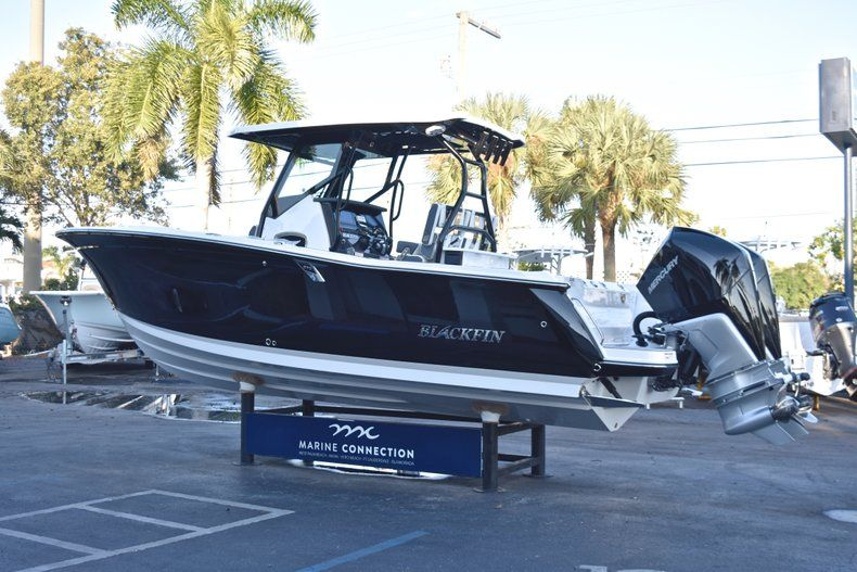 Thumbnail 5 for New 2019 Blackfin 272CC Center Console boat for sale in West Palm Beach, FL