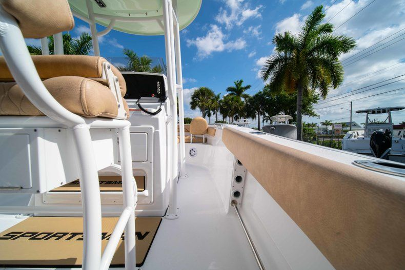 Thumbnail 12 for New 2019 Sportsman Heritage 211 Center Console boat for sale in Miami, FL