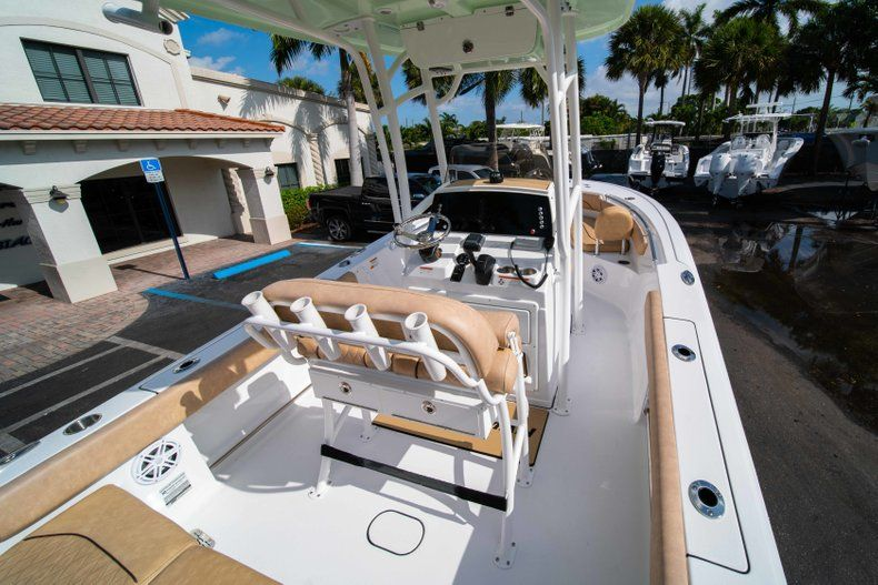 Thumbnail 8 for New 2019 Sportsman Heritage 211 Center Console boat for sale in Miami, FL